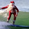 9 Funky Ways To Take Pictures with Santa Claus - LA Style