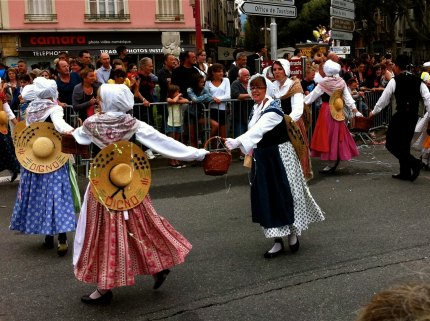 Folkloric costumes and dances
