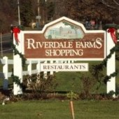 Things to do with kids: Holiday Shopping in Avon