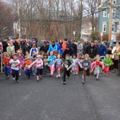 Things to do with kids: Turkey Trots and Other Holiday Fun Runs: Festive Foot Races for Boston Families