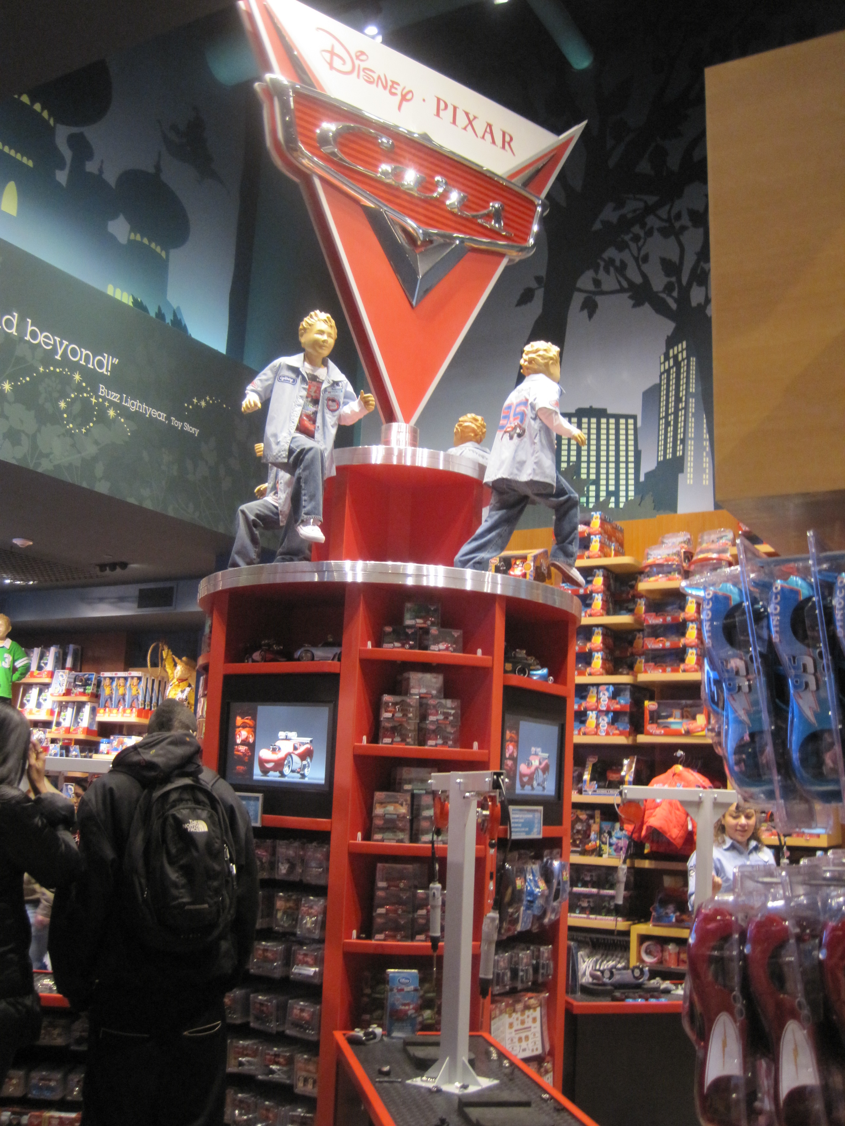 The new disney store in times square magic right around for Things to do around times square