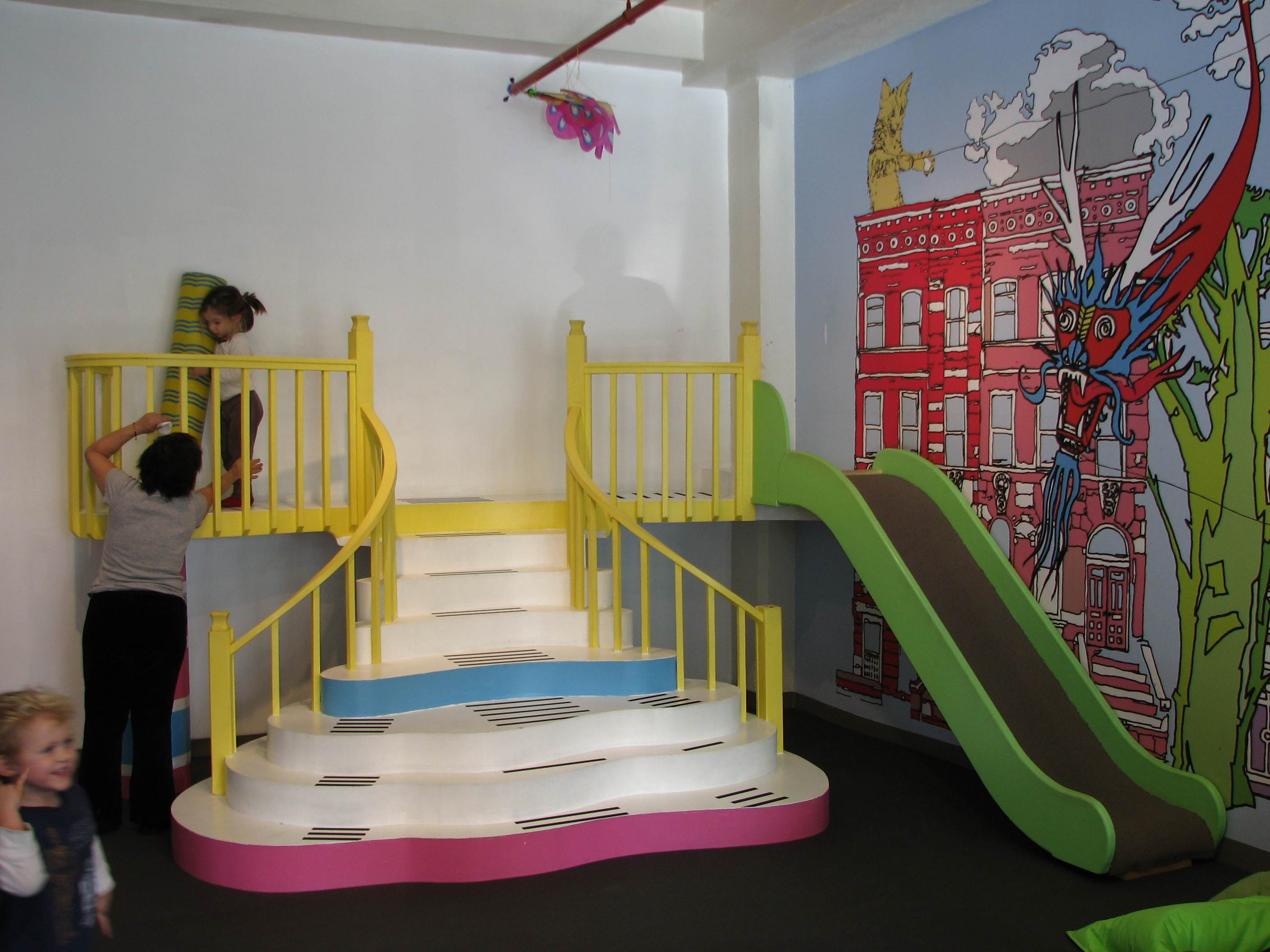 Play greenpoint the perfect indoor play space in brooklyn for Indoor play slide