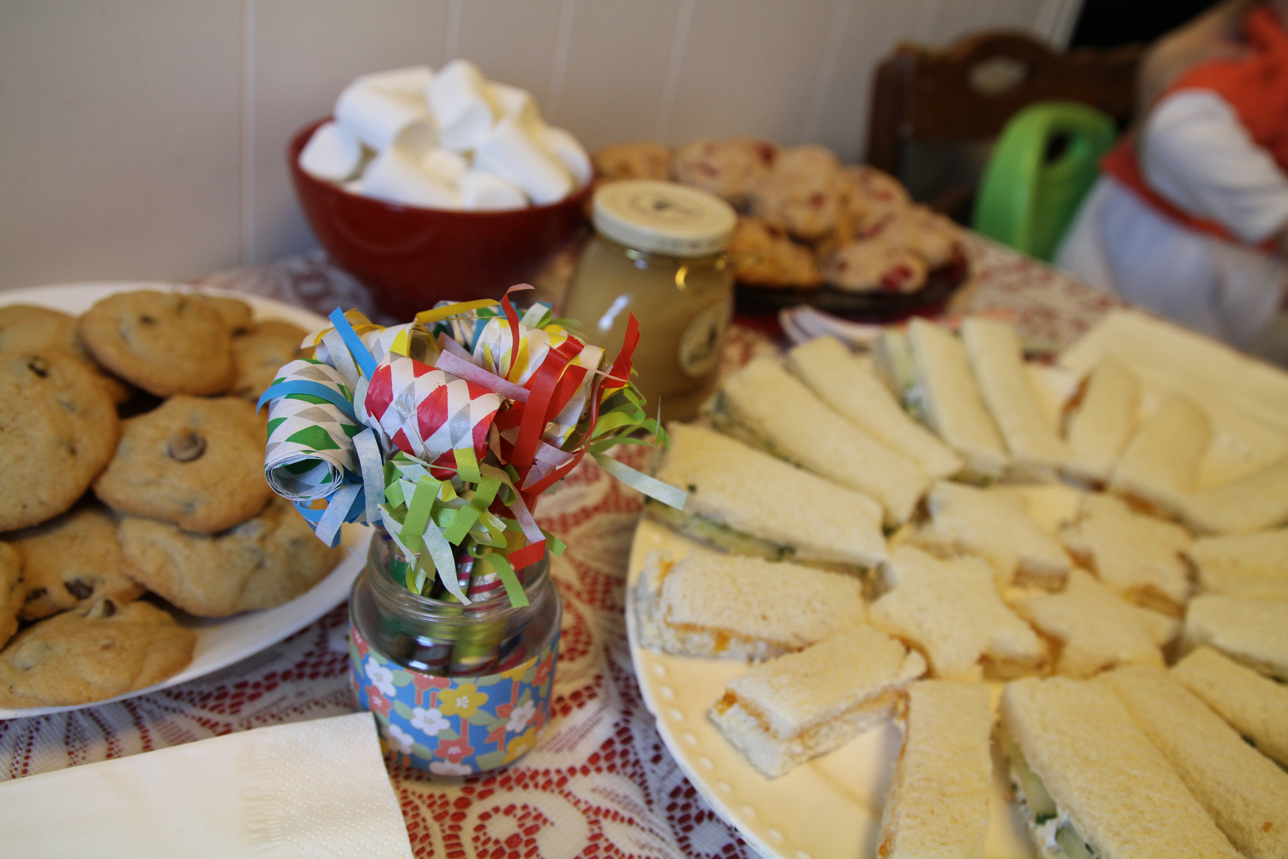 How To Host A Great Kids Party In A Small Apartment Mommypoppins