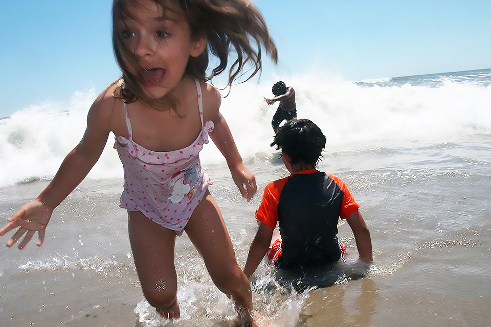 Best Beaches Near NYC: A Guide for Families | MommyPoppins