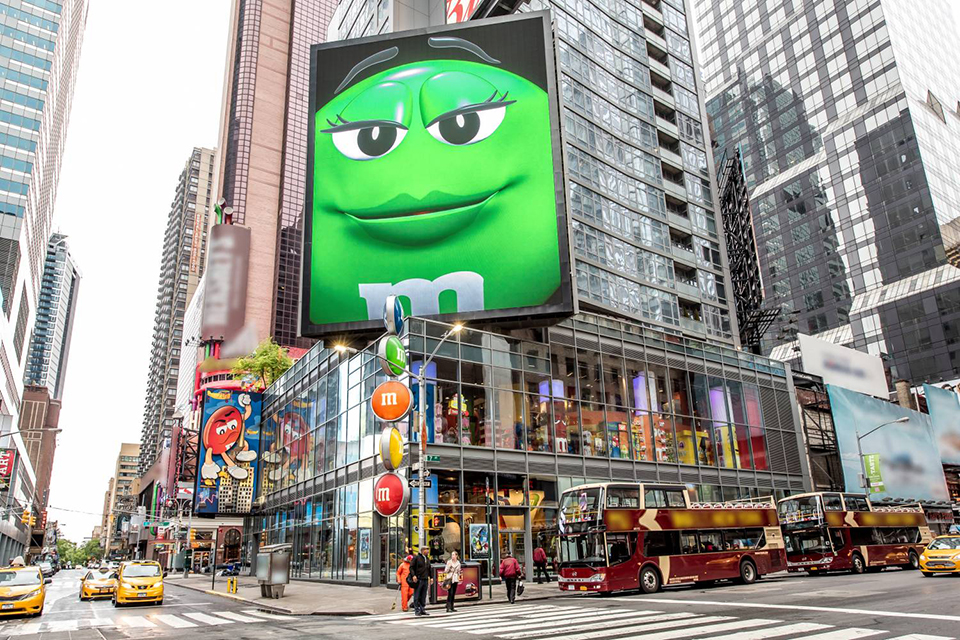 Times Square with Kids: What to Do Beyond the Usual Tourist Spots | Mommy Poppins - Things to Do ...