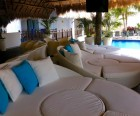 Family-friendly lounging by the swim-up pool bar