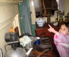 Cooking with coal and cast-iron pots