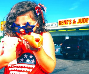 25 Things To Do with Chicago Preschoolers Before They Turn 5: Eat a Chicago hot dog