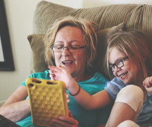 Fun Activities for Grandparents To Do with Kids: Play online