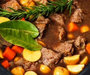 10 Easy Crockpot Recipes and Meals for Family Dinner: Beef Stew
