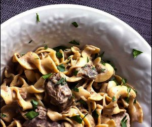 10 Easy Crockpot Recipes and Meals for Family Dinner: Beef Stroganoff