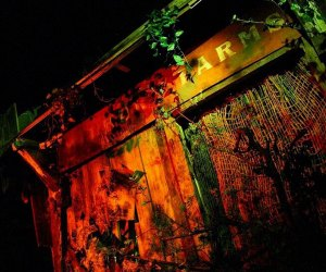 Home Haunts and Amazing Halloween Decorations in Los Angeles: Murder House