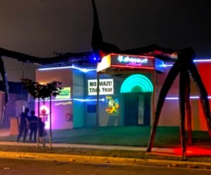 Home Haunts and Amazing Halloween Decorations in Los Angeles: Haunted Shack