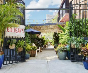 Gilligan's outdoor dining