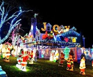Keeler family's free holiday light display