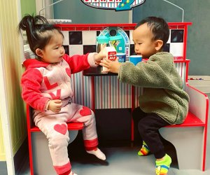 Kids playing in pretend diner Kids Play World Middle Village Queens NYC Play Spaces