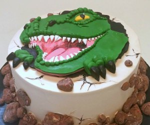 Bakeries Make the Best Birthday Cakes in Los Angeles: birthday cake by Lark Cake Shop