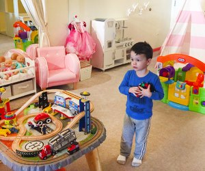 Photo of Liddle Bites play space in Long Beach by Lisa Fogarty for Mommy Poppins