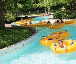 Best Outdoor Water Parks near Chicago: kids float down lazy river