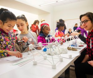 Let the Northeastern STEM Outreach Club show you the Science! Photo by Adam Glanzman/Northeastern University