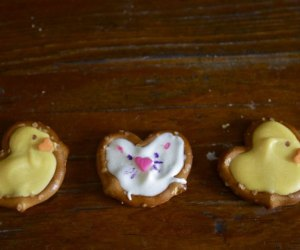 Easter Desserts, Easter Recipes, and Easter Brunch Ideas: Bunny and Chick Pretzel Treats