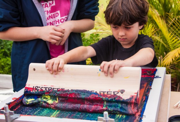 Screenprinting. Photo courtesy of 18th Street Arts Center / Pico Block Party
