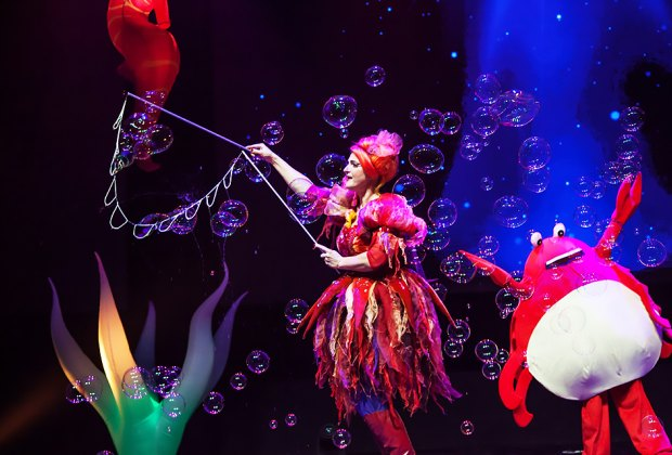 B–The Underwater Bubble Show is coming to State Theatre New Jersey at the end of March. Photo courtesy of the show