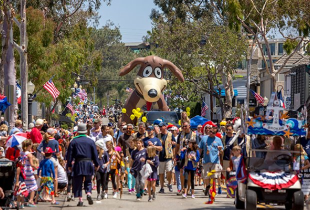 Balboa Island Day Parade. Photo by Christy Radecic
