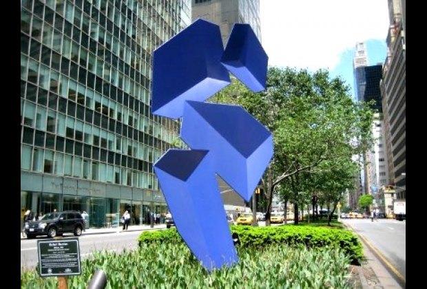 Rafael Barrios sculpture on Park Avenue