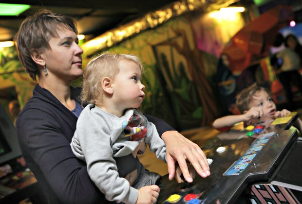 Las Vegas Babysitting Services That Let Parents Enjoy Baby