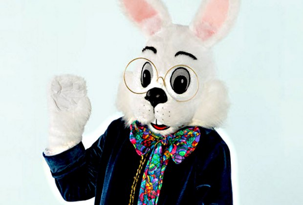Enjoy breakfast and a photo-op with the Easter Bunny at Smith Haven Mall. Photo courtesy of the mall