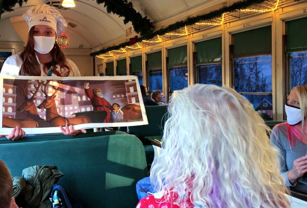 Chef elves read The Polar Express book on Grand Canyon Railway