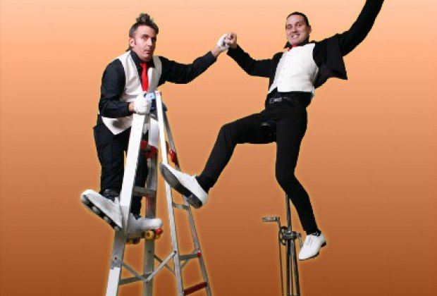 Two-man troupe Circo Comedia