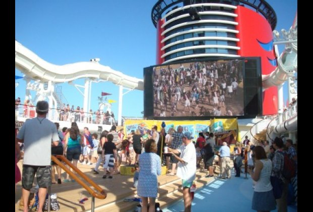 Deck 11: Outdoor pools, a giant screen and the Aquaduck