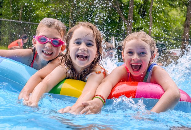 Discover summer at Deer Mountain where campers have a blast in swimming, sports, arts and outdoor adventure activities. They shine as themselves!