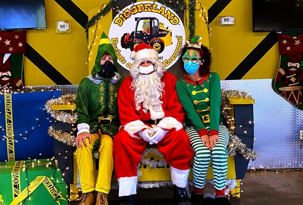 Children Christmas, Saturday, December 8,2021 In Atlantic County, Nj Where To Take Safe Santa Claus Pictures In New Jersey In 2020 Mommypoppins Things To Do In New Jersey With Kids