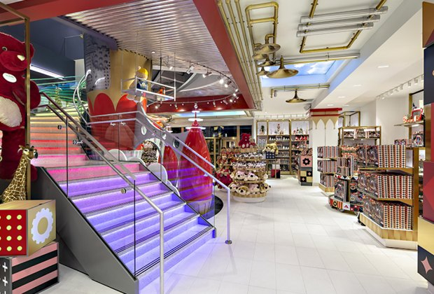 The dazzling new FAO Schwarz offers lots of opportunities for in-store play. Photo by Richard Cadan