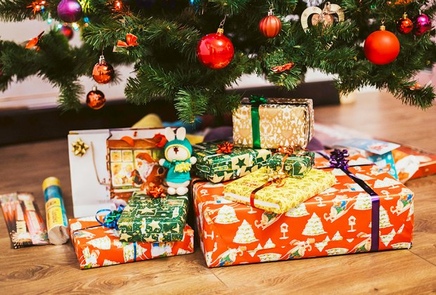 Free Christmas Presents For Needy Families In Ovid Ny Vfw 2021 Sign Up How To Find Free Toys This Christmas And Holiday Season Mommypoppins Things To Do With Kids