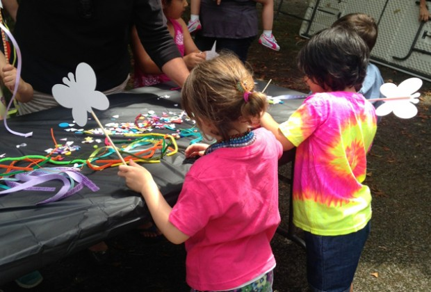 Crafts with Kidcasso Art Studio before a concert