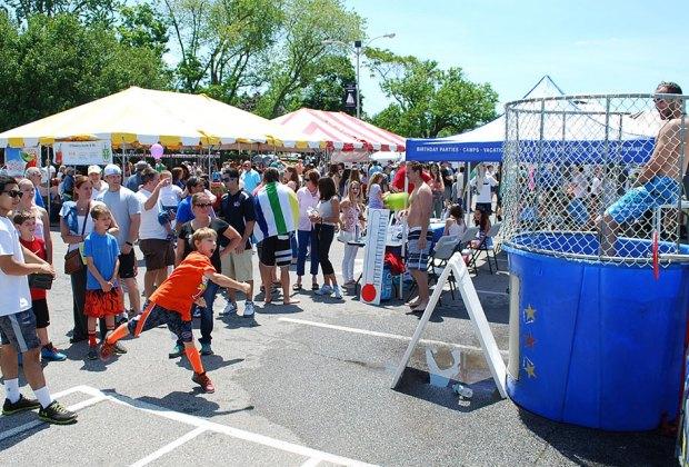Strawberry Festival Long Island  Bellmore