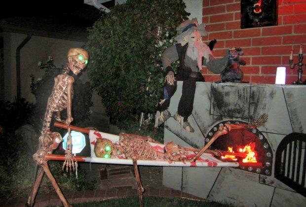 Halloween S Best Home Haunts Haunted Houses Yard Displays