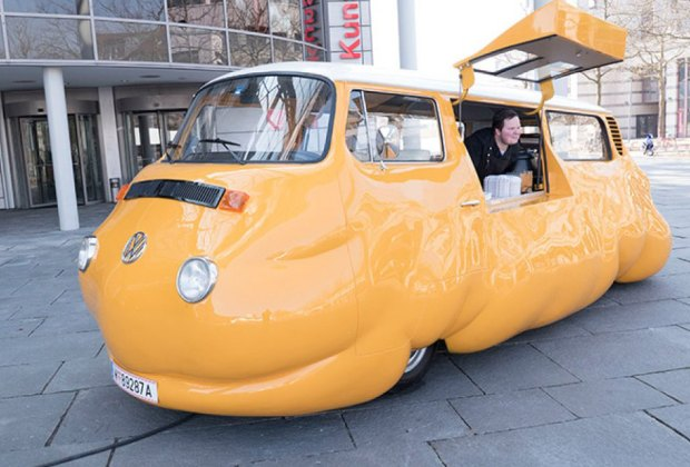 The Hot Dog Bus serves up free hot dogs this summer.