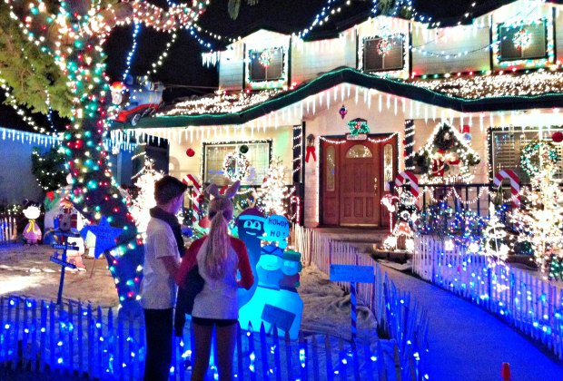 Christmas Light Fight Winner 2020 Best Christmas Light Displays and Home Holiday Decorations around