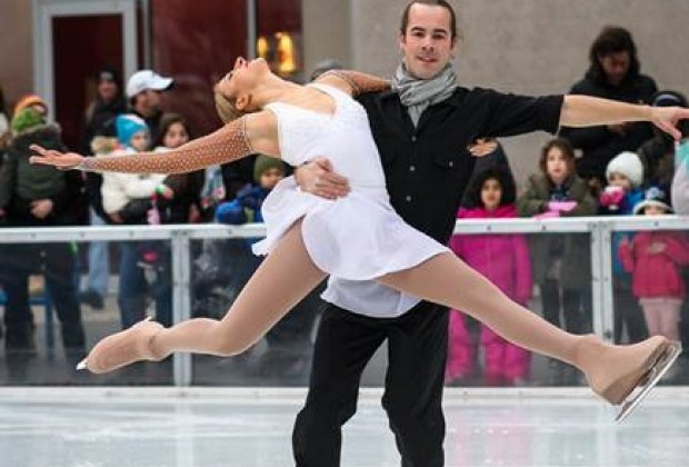 Couples skating from Ice Theatre of NY