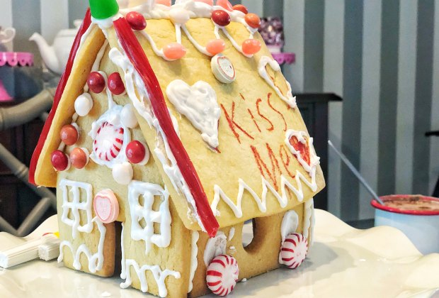 Make and decorate a sugar cookie house for Valentine's Day.