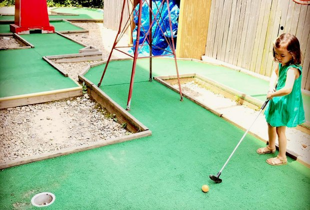 Mini-golf course at Brooklyn Crab