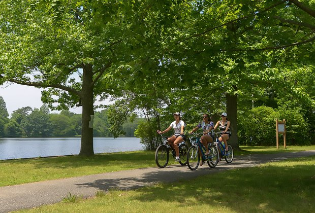 The shared-use path at Bethpage State Park is ideal for cyclists, walkers, and joggers. Photo courtesy of New York Department of Transportation