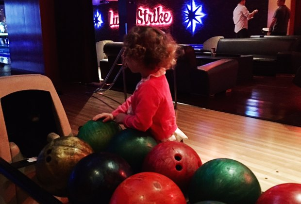 5 Places to Take Your Kids Bowling in Houston | MommyPoppins ...