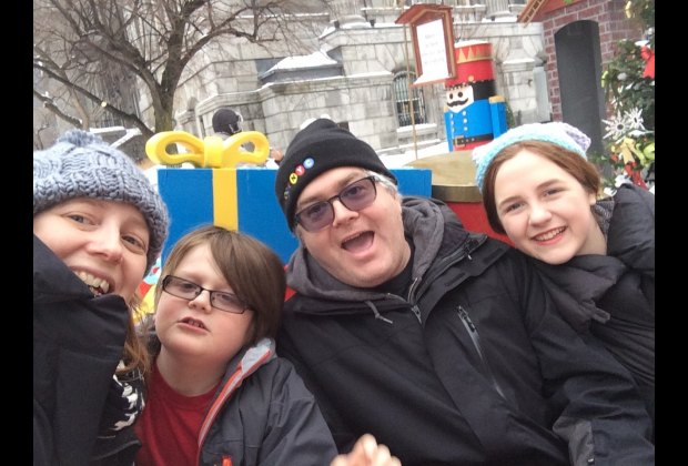 """Free hot cocoa, warming rooms and photo-ops in Old Montreal for """"Merry Montreal"""""""