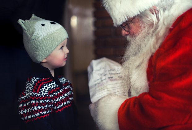 Experience some holiday magic with your little ones throughout NJ this year. Photo by Mike Arney via Unsplash